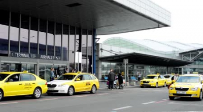 U.S. Airport Taxi Rides Cost Far More Than Fares